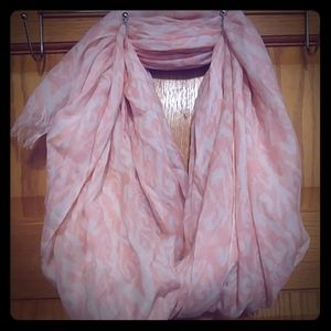 Cream/ light pink patterned scarf